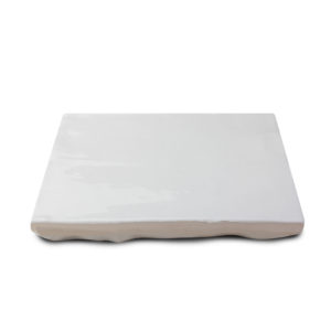 Zellige ceramico blanco brillo detalle ceramica a mano alzada