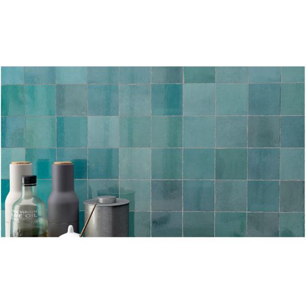 Zellige-ceramico-turquesa-ambiente-01-ceramica-a-mano-alzada
