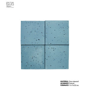 Revestimiento-gres-artesanal-azul-01-PGA-007-11x11x0.8-cm-ceramica-a-mano-alzada